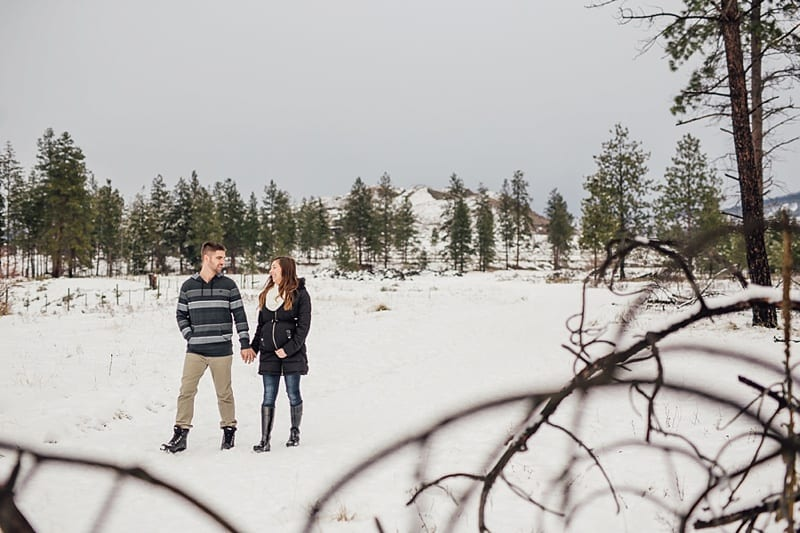 Kelowna Maternity Newborn Photographers Okanagan Engagement Photographer_2336