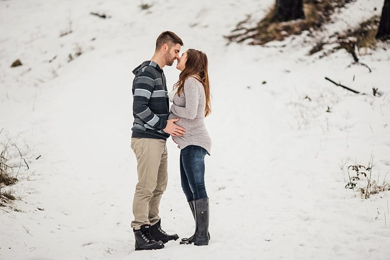 Kelowna Maternity Newborn Photographers Okanagan Engagement Photographer_2337