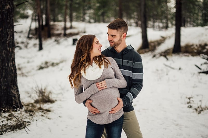 Kelowna Maternity Newborn Photographers Okanagan Engagement Photographer_2339