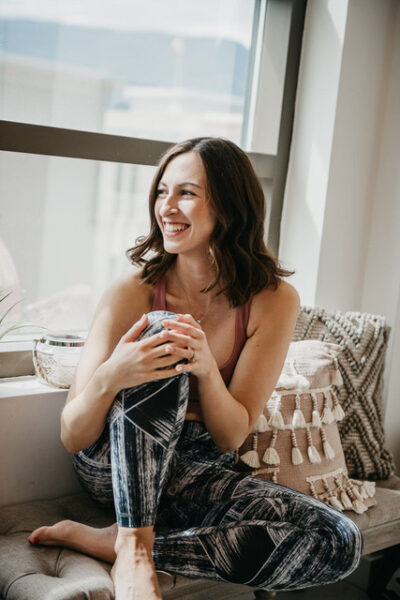 Tayor is a Barreroom instructor in Kelowna, BC that teaches classes online so people can enjoy barre at home.