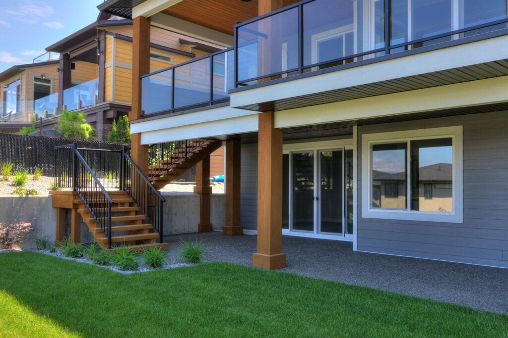 Deck and outdoor patio at 462 Rockview Lane in Kelowna, custom home build done by Stark Homes