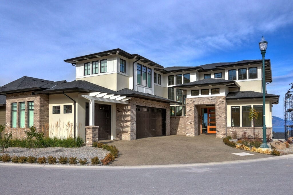 470 Rockview Lane front view of custom home exterior, built by Stark Homes