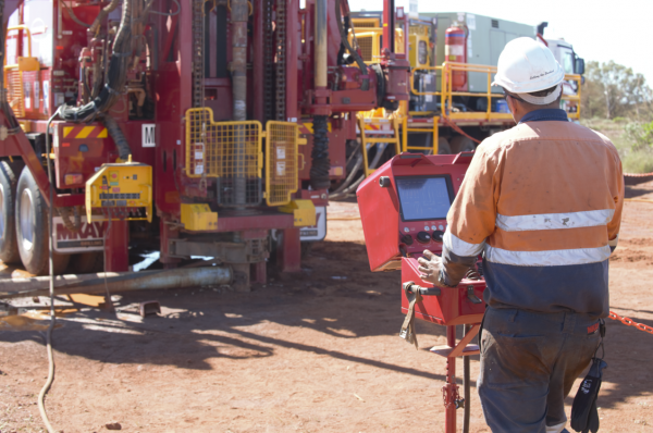 Photo of Man Operating Schramm Drilling Rig highlighting the Customer Focused Strategies Outlined in Their 2020 Review.
